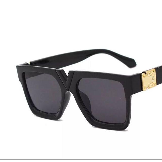 サイドバックル付きサングラス09-04-1 レディースのファッション小物(サングラス/メガネ)の商品写真
