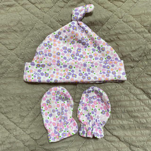 mikihouse(ミキハウス)の【新品未使用】ミキハウス 新生児から使えるミトン&帽子セット キッズ/ベビー/マタニティのこども用ファッション小物(帽子)の商品写真