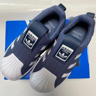 adidas - タグ付き新品未使用品!adidasアディダス.スニーカー.ブルーグレー.17cm