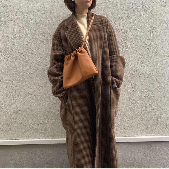 TODAYFUL(トゥデイフル)の新品 ハンドメイド  本革 レザーサコッシュ 巾着 レディースのバッグ(ハンドバッグ)の商品写真