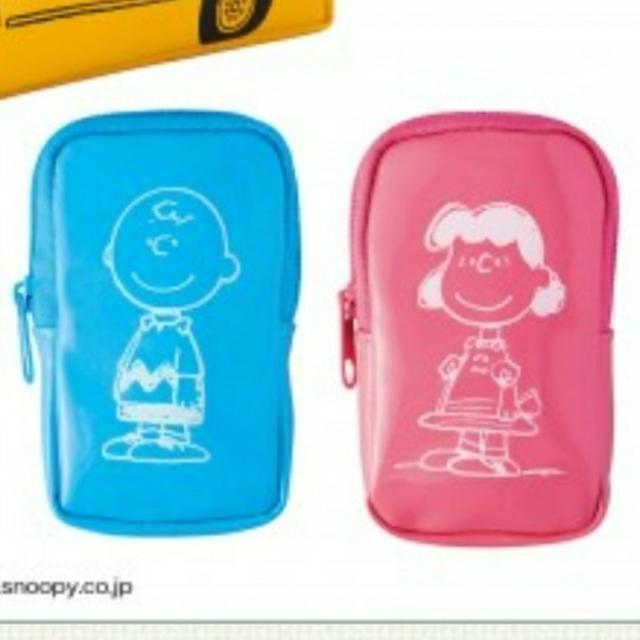 SNOOPY(スヌーピー)の未使用/スヌーピー バス形ポーチ&ミニポーチ3個セット レディースのファッション小物(ポーチ)の商品写真