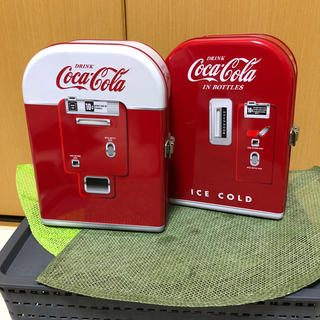 コカコーラ(コカ・コーラ)のコカコーラ ベンディングマシーン 貯金箱 2缶セット 中身なし(小物入れ)