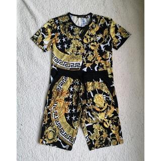 ヴェルサーチ(VERSACE)の2点セットヴェルサーチ Versace tシャツ ショートパンツ(Tシャツ/カットソー(半袖/袖なし))