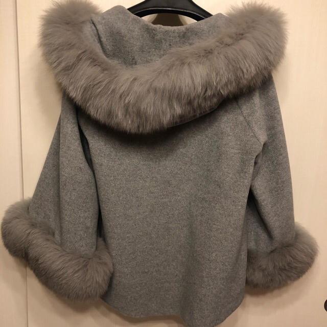 GRACE CONTINENTAL(グレースコンチネンタル)のグレースコンチネンタル フードファーコート レディースのジャケット/アウター(毛皮/ファーコート)の商品写真