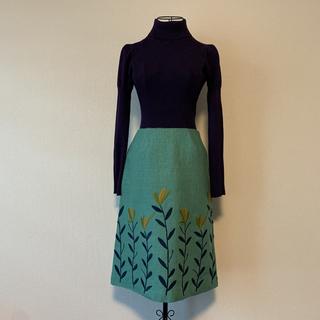 シビラ(Sybilla)のSybilla 刺繍スカート レトロな服に ビンテージ(ひざ丈スカート)