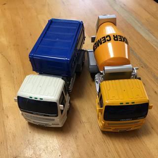 バンダイ(BANDAI)の働く車・ゴミ収集車&ミキサー車(ミニカー)