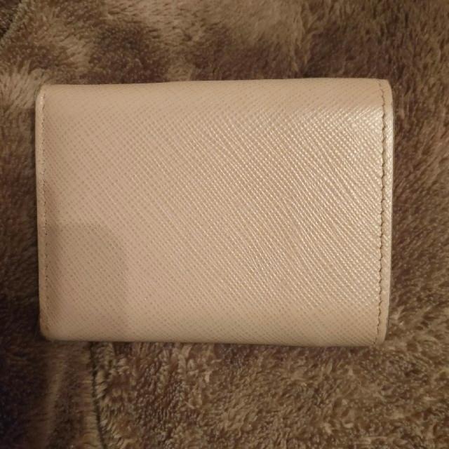 PRADA(プラダ)のPRADA ミニ 財布 プラダ 三つ折り ベージュ ピンク レディースのファッション小物(財布)の商品写真