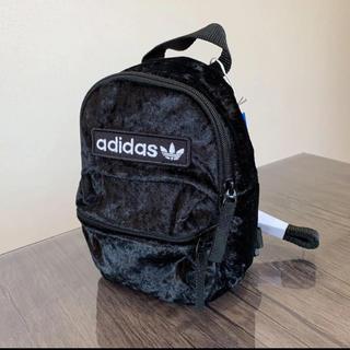 adidas - 新品✨adidas ベロア ミニバックパック