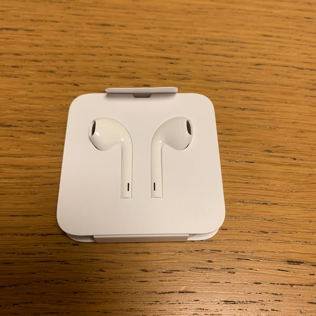 Apple(アップル)のiPhone XR 純正イヤホン  スマホ/家電/カメラのオーディオ機器(ヘッドフォン/イヤフォン)の商品写真