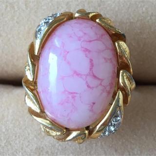 (4)ピンクの大粒ストーンリング ゴールド  アンティーク(リング(指輪))