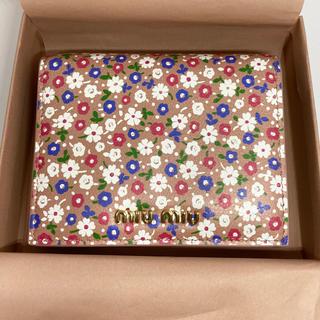 miumiu - 新品未使用 ミュウミュウ miumiu ミニ財布 ピンク 花柄 ミニ財布