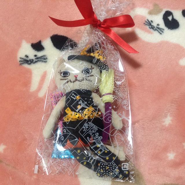 KALDI(カルディ)のカルディ ハロウィン くたくた ベージュ 猫  魔女ちゃん エンタメ/ホビーのおもちゃ/ぬいぐるみ(ぬいぐるみ)の商品写真