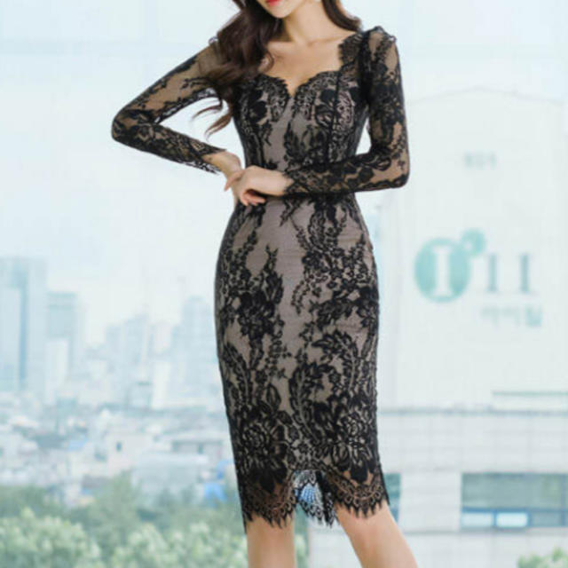 Lipsy(リプシー)の総レースデザインワンピース ドレス 膝丈 ブライダル(ブラック) レディースのフォーマル/ドレス(ナイトドレス)の商品写真