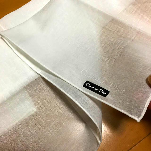 Christian Dior(クリスチャンディオール)の白 ハンカチ メンズのファッション小物(ハンカチ/ポケットチーフ)の商品写真