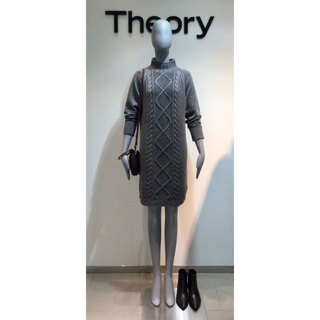 theory(セオリー)のTheory 19aw ケーブル編みワンピース グレー レディースのワンピース(ひざ丈ワンピース)の商品写真