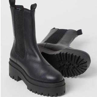 エイチアンドエム(H&M)の【H&M】プラットフォーム チェルシーブーツ 39 未使用品(ブーツ)