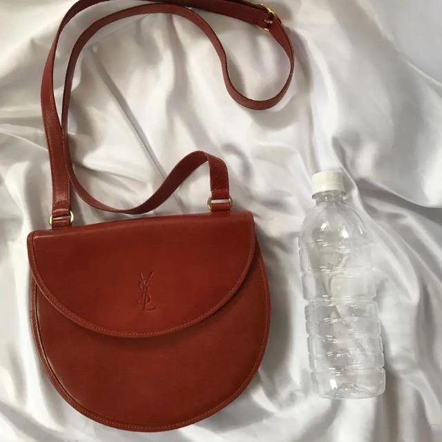 Yves Saint Laurent Beaute(イヴサンローランボーテ)のイヴサンローラン 刻印 ysl ショルダーバッグ レディースのバッグ(ショルダーバッグ)の商品写真