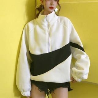 ビッグロゴ 韓国ファッション オルチャン ストリート系 モノトーン 白 M