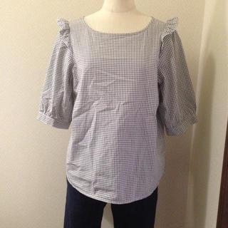 ダブルクローゼット(w closet)の【値下】肩フリルカットソー(Tシャツ/カットソー(半袖/袖なし))