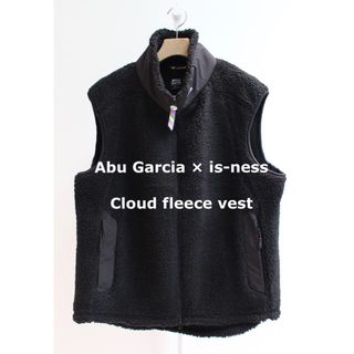 1LDK SELECT - Abu Garcia × is-ness  Cloud fleece vest