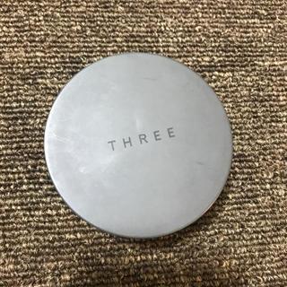 スリー(THREE)の【値下げ】THREE パウダー(フェイスパウダー)