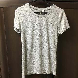 エイチアンドエム(H&M)のグレーTシャツ(Tシャツ(半袖/袖なし))