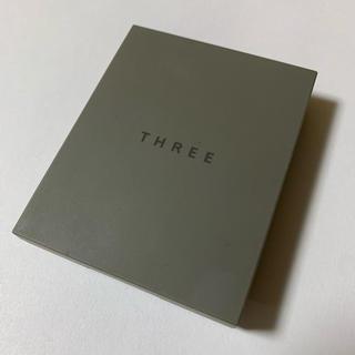 THREE - THREE シマリンググローデュオ 01