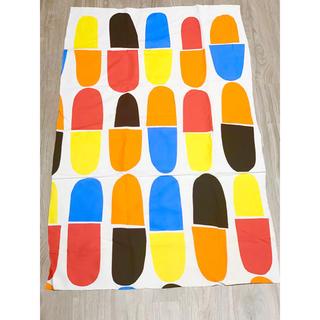 マリメッコ(marimekko)のマリメッコ ハギレ 約66×108センチ(生地/糸)