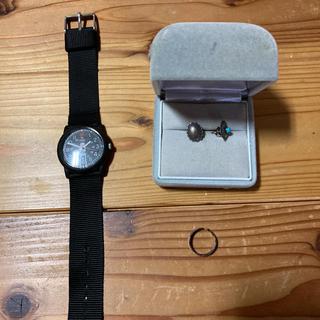 ビームスボーイ(BEAMS BOY)のBEAMSBOYTIMEXの時計とターコイズのピアスとイヤカフです。(腕時計)
