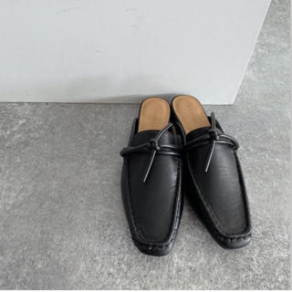 ジーナシス(JEANASIS)のJEANASiS(ジーナシス)ヒモツキフラットスリッパ L(ローファー/革靴)