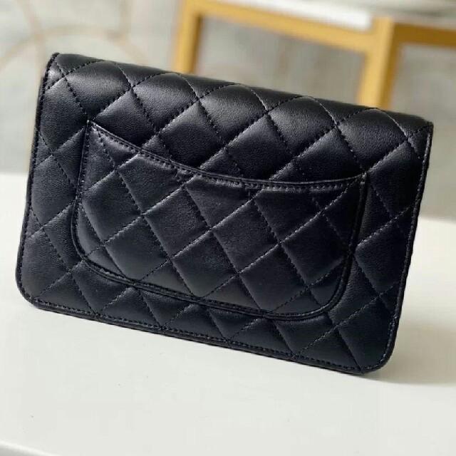 CHANEL(シャネル)の美品 シャネル マトラッセ チェーンショルダーバッグ 黒 レディースのバッグ(ショルダーバッグ)の商品写真