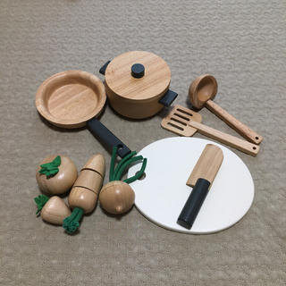 MUJI (無印良品) - 無印良品 おままごと フライパンおなべセット、食材まな板セット