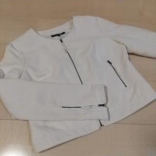 リエンダ(rienda)のrienda 白 ジャケット リエンダ オフホワイト(ノーカラージャケット)