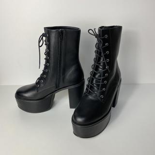 エモダ(EMODA)のEMODA エモダ 厚底ブーツ ヒール10cm レースアップ 黒 韓国(ブーツ)