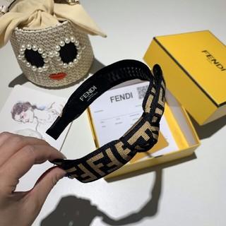 フェンディ(FENDI)の即納 超美品!「フェンデイ FENDI 」カチューシャ 箱付き(カチューシャ)