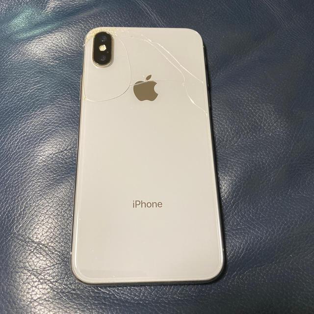 iPhone(アイフォーン)の専用出品  iPhoneX 64GB ソフトバンク シルバー 最終値下げ スマホ/家電/カメラのスマートフォン/携帯電話(スマートフォン本体)の商品写真
