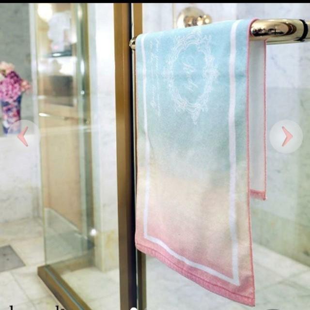 Rady(レディー)のRadyパステルレインボーフェイスタオル インテリア/住まい/日用品の日用品/生活雑貨/旅行(タオル/バス用品)の商品写真