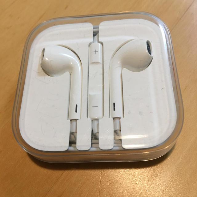 iPhone(アイフォーン)のiPhone純正イヤホン Apple スマホ/家電/カメラのオーディオ機器(ヘッドフォン/イヤフォン)の商品写真