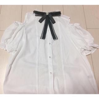 アベイル(Avail)の量産型 ブラウス(シャツ/ブラウス(半袖/袖なし))