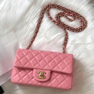CHANEL - 【CHANEL】極美品 シャネル ミニマトラッセチェーンバッグ