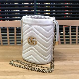 Gucci - 新品同様 グッチ 現行 GGマーモント 巾着ショルダーバッグ オフホワイト 白