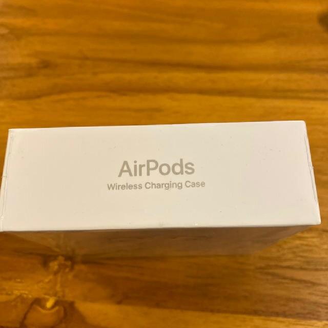 Apple(アップル)のApple Air Pods第2世代 スマホ/家電/カメラのオーディオ機器(ヘッドフォン/イヤフォン)の商品写真