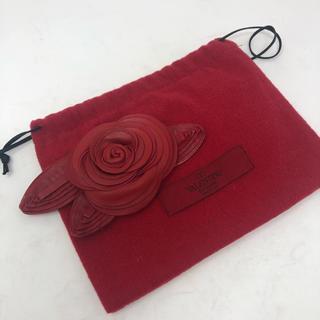 ヴァレンティノ(VALENTINO)のバレンチノ VALENTINO 赤薔薇キーホルダー チャーム(キーホルダー)