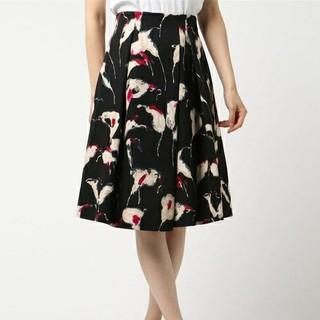 アナイ(ANAYI)のANAYI  ペイントリリーフラワープリントスカート(ひざ丈スカート)