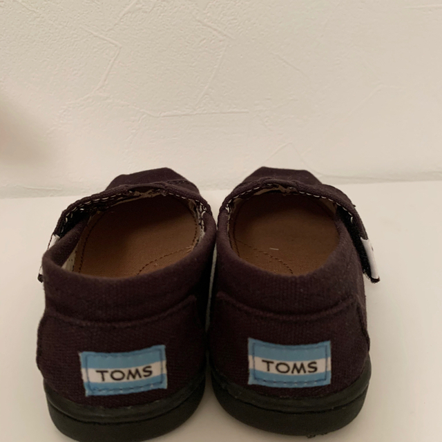 TOMS(トムズ)のTOMS classic Black Canvas 14cm キッズ/ベビー/マタニティのベビー靴/シューズ(~14cm)(スリッポン)の商品写真