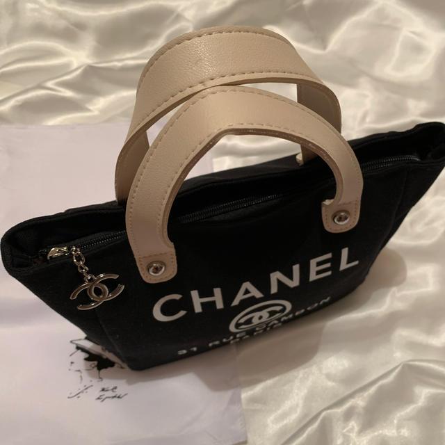 CHANEL(シャネル)のあ様専用 CHANEL ノベルティミニバッグ レディースのバッグ(ハンドバッグ)の商品写真