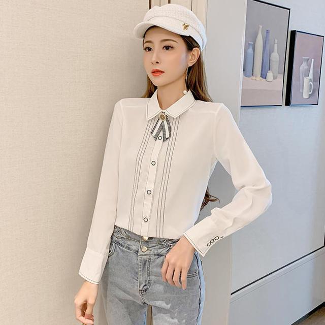 JILLSTUART(ジルスチュアート)のラインデザインレトロリボンシャツ(ホワイト) レディースのトップス(シャツ/ブラウス(長袖/七分))の商品写真