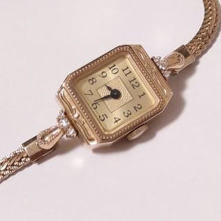 アガット(agete)のagete K10 スクエアフェイス ジュエリーウォッチ 現行品 販売証明書付き(腕時計)