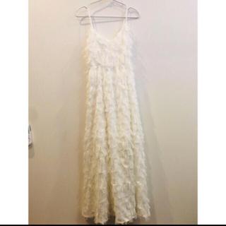 エメ(AIMER)のウエディング ドレス フェザードレス 韓国(ウェディングドレス)