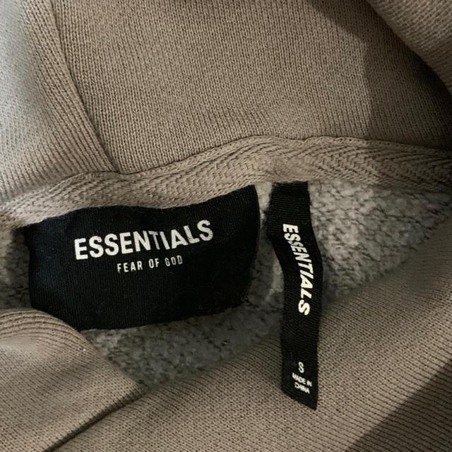 FEAR OF GOD(フィアオブゴッド)の‼️値下げ致しました‼️フィアオブゴッド エッセンシャルズパーカー Sサイズ メンズのトップス(パーカー)の商品写真